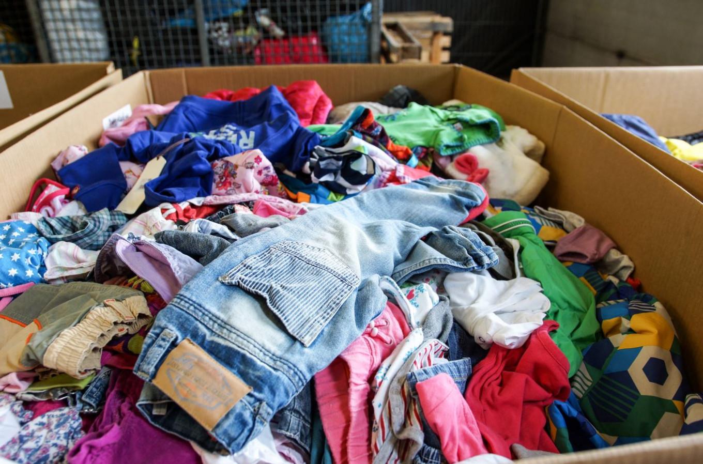 We geven kleding weg aan mensen in nood