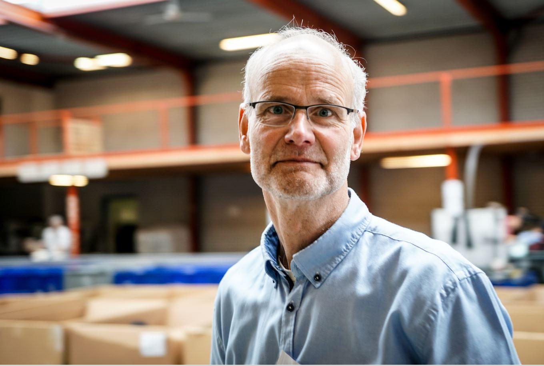 Rob zorgt ervoor dat alle logistieke processen vanuit Deventer soepel verlopen.
