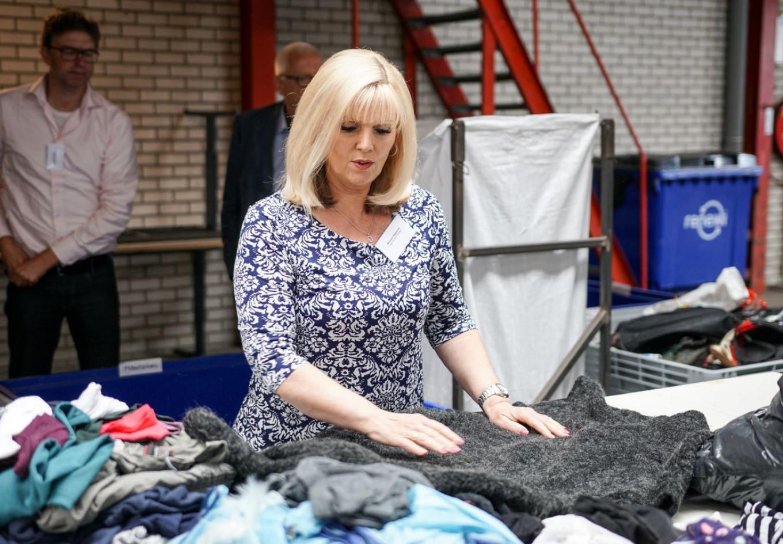 Dankzij Marjolein en haar team worden alle ReShare Stores wekeljks voorzien van een nieuwe lading mooie kleding.